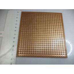 Geniş delikli 12x13cm plaket